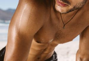 Haare Brust Mann sportlich attraktiv